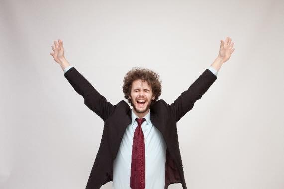 転職したら労働時間は短くなって給料はアップした