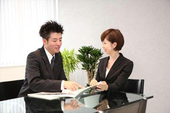 職場でスムーズに仕事を進めるためのコミュニケーション術
